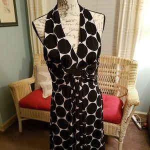 Lovely Jessica Howard black & white cocktail dress